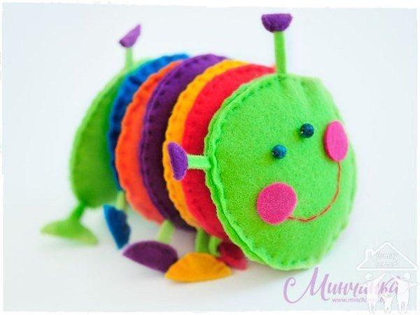 Развивающая игрушка гусеничка своими руками