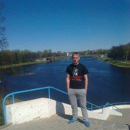 Влад, 24 года, Полоное
