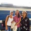 я со своими дочерьми на вокзале в Москве из альбома «жизнь»