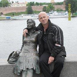анатолий, 52 года, Никольское