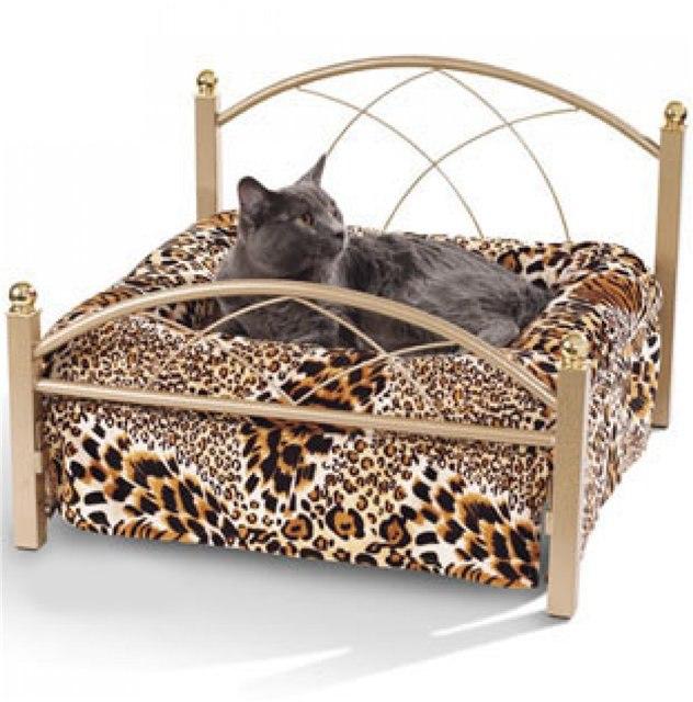 Кровать для кошки картинка