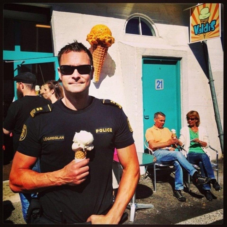 Официальный инстаграм исландской полиции - 3