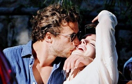 Женщины, которым везет в любви.Каким людям везет в любви? Красивым? Нет, наружность, если речь не ...