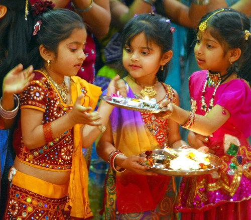 essay on diwali festival for children Essay topics diwali festival with strong presence of over 15 years in the custom-writing industry, superior papers is one of the most reliable services on this market.