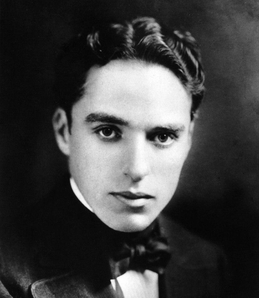 Зеркало — это мой лучший друг, потому что когда я плачу, оно никогда не смеется. Чарли Чаплин