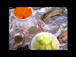 Сегодня я предлагаю Вам рецепт приготовления скумбрии в фольге запеченной в духовкеСкумбрия запеченная в духовке - блюдо, которое прекрасно подходит и для праздника, и для повседневного обеда или ужи...