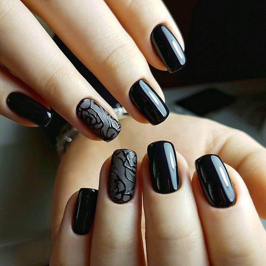 Маникюр дизайн ногтей фото темный лак