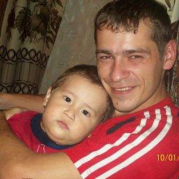 Андрей, 32 года, Сурское