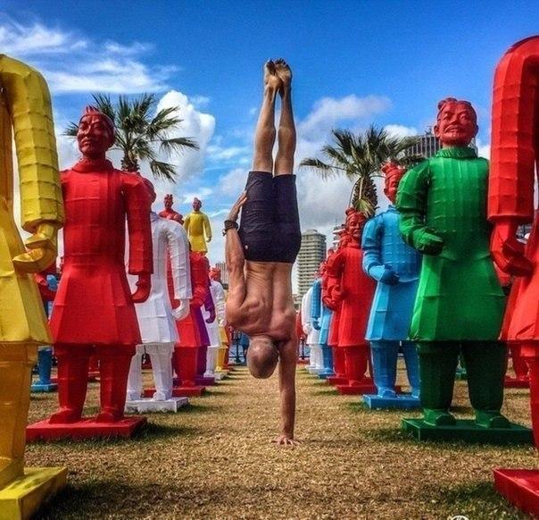 Семейная фотосессия из путешествий, когда ты инструктор по йоге - 5