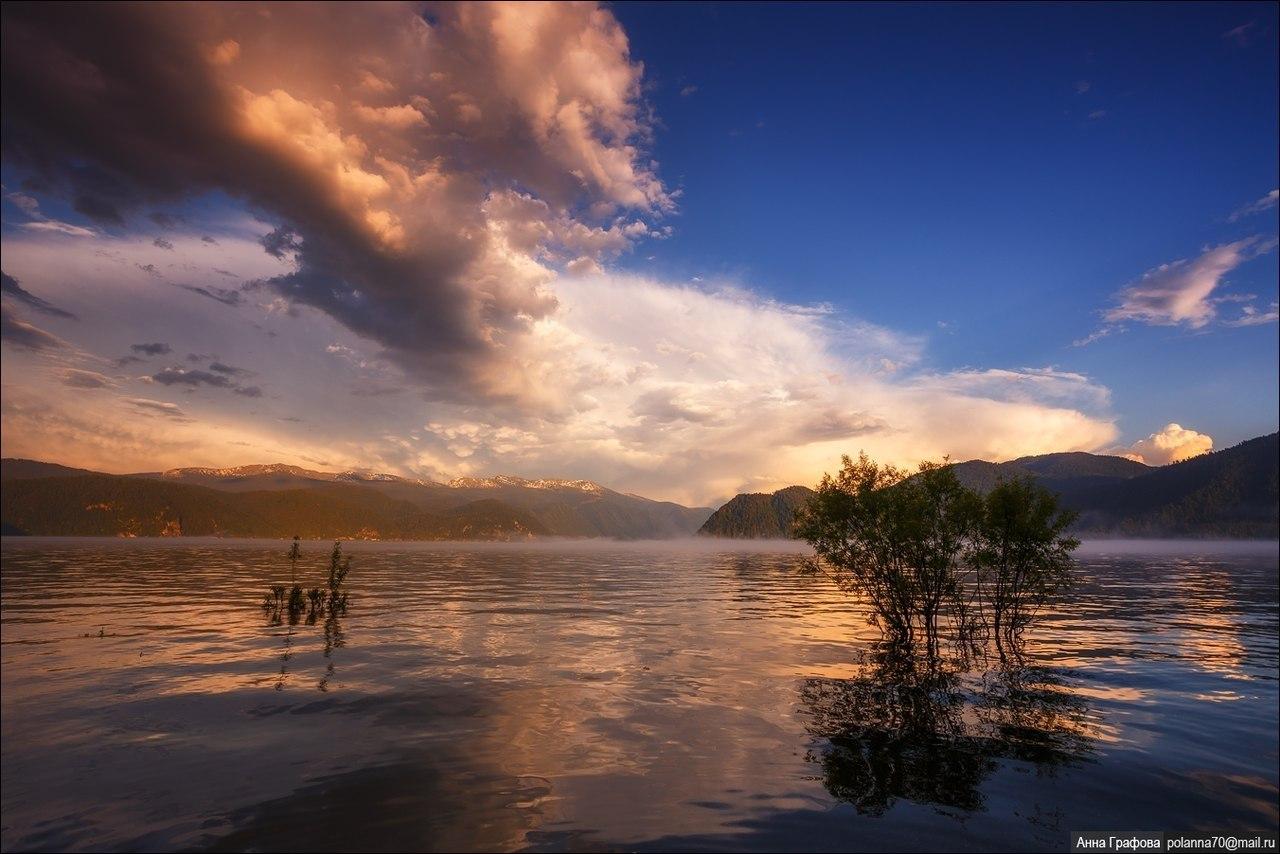 Бухта листвянка озеро байкал фотографии каждый турист