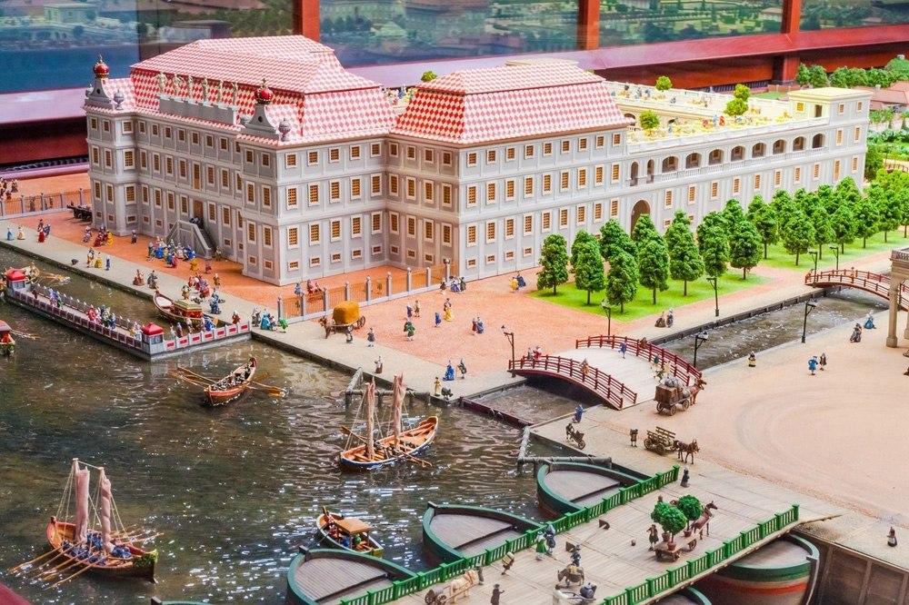 Экскурсионный тур в Санкт-Петербург  для родителей с детьми