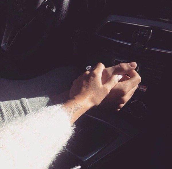 Красивые картинки рук в машине