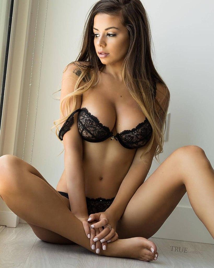 Pornstar Book Thin Up Tied Hot Skinny Sex Pics