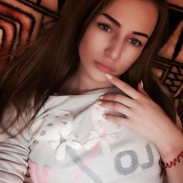 Фото девушки-брюнетки (24 фото) - Алена, 21 год, Санкт-Петербург