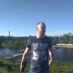 Анатолий, 30 лет, Великие Луки