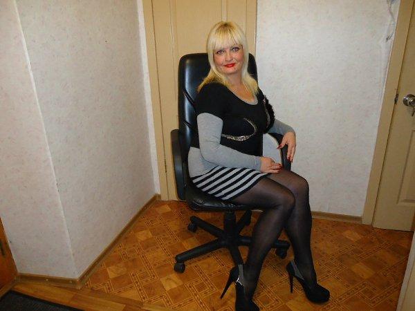 зрелая блондинка частное фото следующую