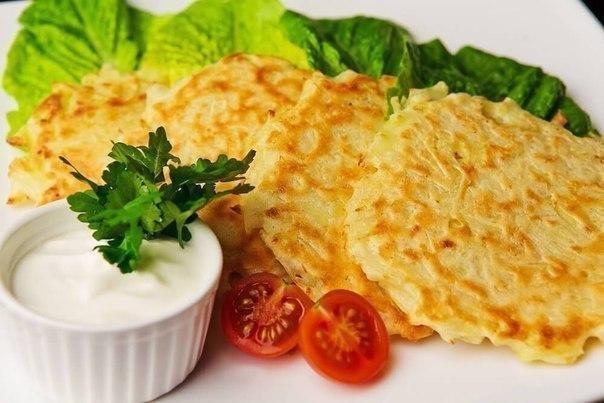 ДРАНИКИ: ТОП-5 РЕЦЕПТОВ.1. ДраникиИНГРЕДИЕНТЫ: картофель - 6 шт (700 г), лук репчатый - 2 шт, яйцо- ...