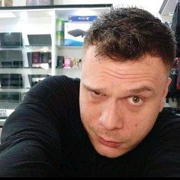 Олег, 29 лет, Ильичевск