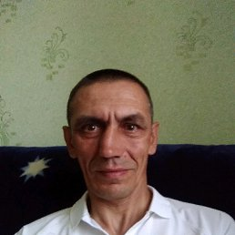 Виталий, 48 лет, Самойловка