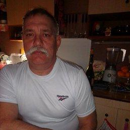 игорь, 56 лет, Стаханов