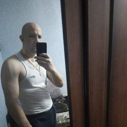 Вадим, 33 года, Астрахань