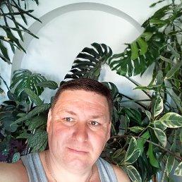 Михайло, Хуст, 42 года