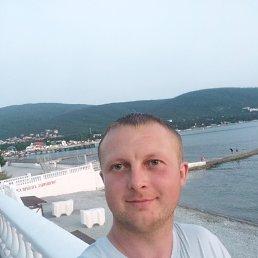 Евгений, 28 лет, Островец