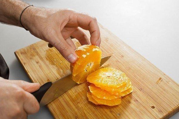 Курица, запеченная с имбирем и апельсинами.Ингредиенты:Курица — 1 шт.Цветочный мед — 4 ст. ... - 3