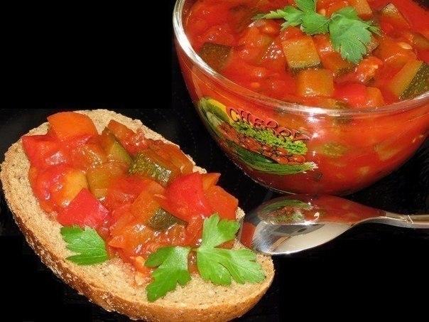 10 вкусненых и обалденных салатов на зиму! 1. Овощной салат на зиму Ингредиенты 1кг-баклажанов ... - 6