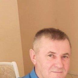 Юрий, 56 лет, Суворов
