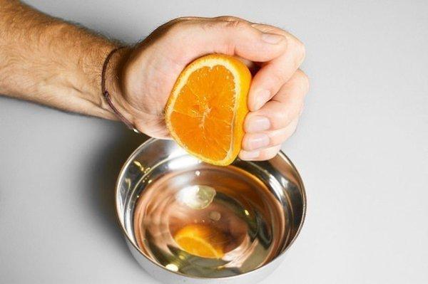 Курица, запеченная с имбирем и апельсинами.Ингредиенты:Курица — 1 шт.Цветочный мед — 4 ст. ... - 2