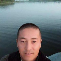 Азамат, 30 лет, Новосибирск