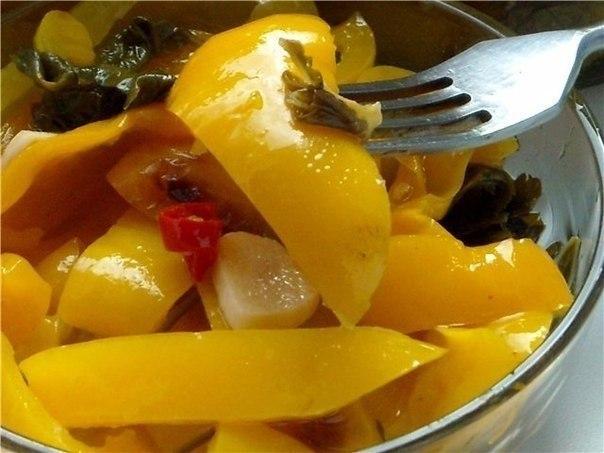 10 вкусненых и обалденных салатов на зиму! 1. Овощной салат на зиму Ингредиенты 1кг-баклажанов ... - 5