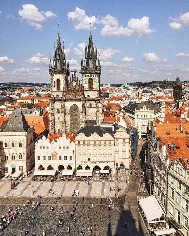 Посадите меня в самолет и отправьте в Прагу, пожалуйста!