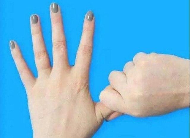 Держать себя за палец 20 секунд. Результат просто поразительный! Японские целители считают, что руки ...