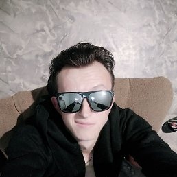 Юрий, 23 года, Свободный