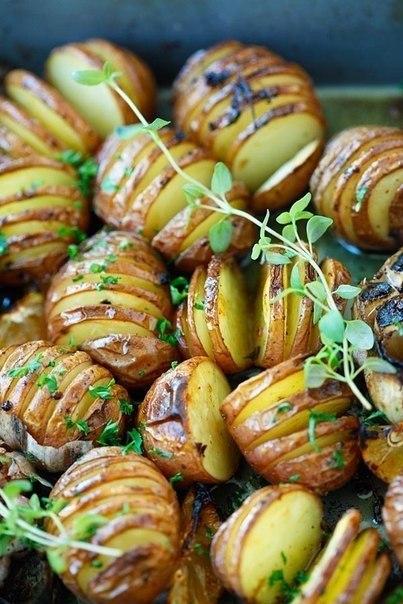 Картофель запеченный с чесноком..Вам потребуется:600 гр. мелкого картофеля1/4 чашки оливкового ... - 3