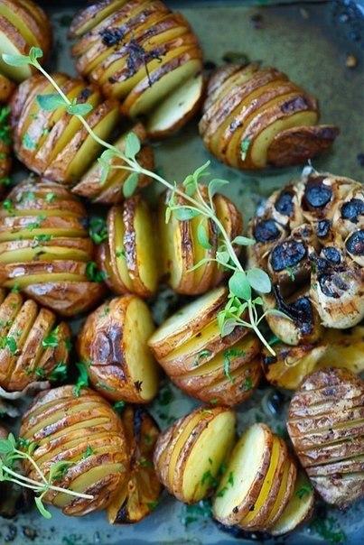 Картофель запеченный с чесноком..Вам потребуется:600 гр. мелкого картофеля1/4 чашки оливкового ... - 5