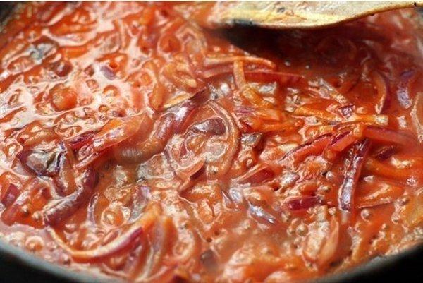 Мясо с черносливом.Сохрани и приготовь Ингредиенты:Лук — 200–250 гКрупная морковь — 1 шт.Мякоть ... - 4