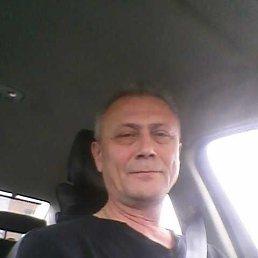 Илья, 52 года, Саратов