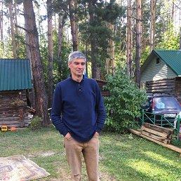 Олег, 57 лет, Омск