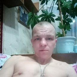 Иван, 32 года, Магадан