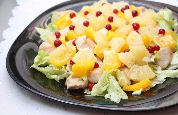 9 вкуснейших салатов на каждый день! Подборка: 1. Салат с сухариками. 2. Салат с копченым сыром. 3. ... - 5