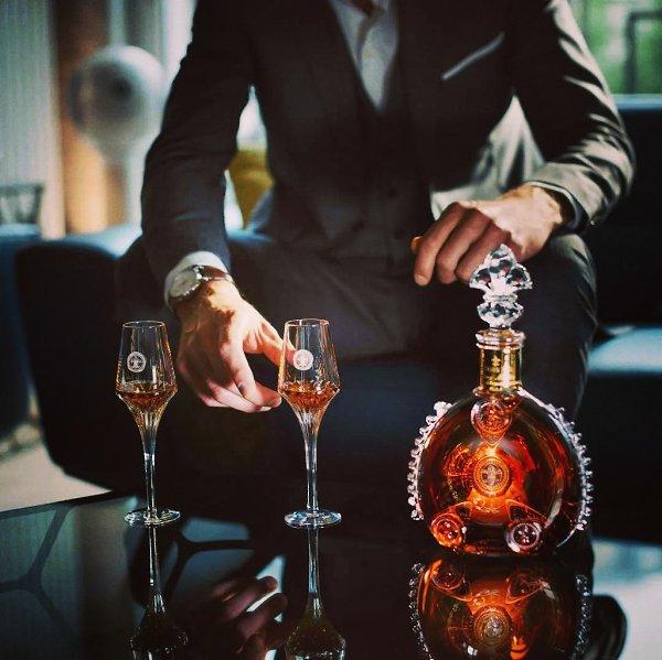 «Жить порой не хочется, а надо. Ты поверь совету старика: Если захотелось выпить яда, выпей для ...