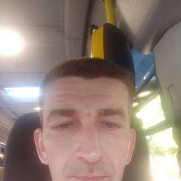 Виталий, 38 лет, Красногорск