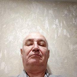 Юрий, 62 года, Владивосток