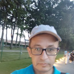 Андрей, 47 лет, Климовск